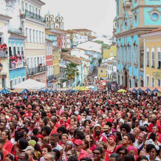 Pelourinho full of people for the Festival of Santa Barbara